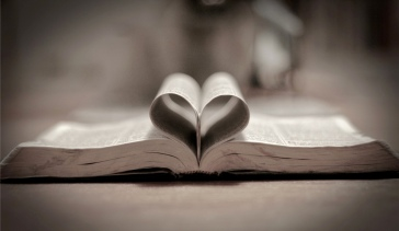 bible-makes-a-love-heart1