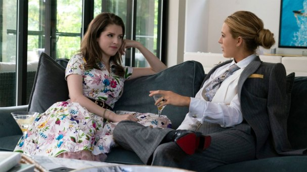 Anna-Kendrick-y-Blake-Lively-en-A-Simple-Favor